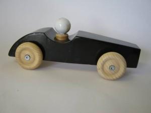 raceauto zwart voorkant